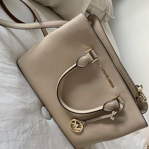 Michael Kors Savanah satchel